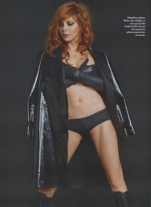 mylene-farmer-presse-paris-match-12-septembre-2013-003rr